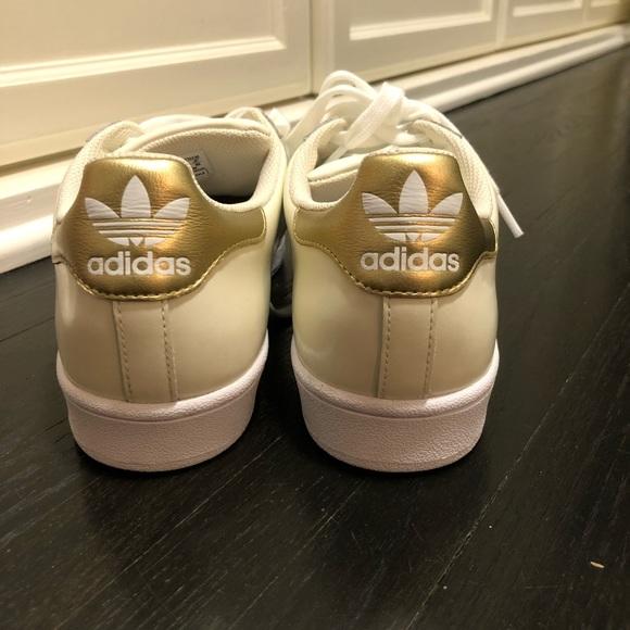 le adidas custom superstar brand new poshmark